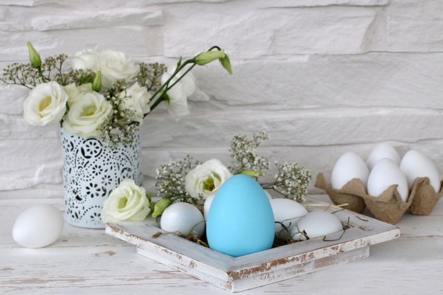 Holidays_Easter_Eustoma_Eggs_Light_Blue_Vase_544258_1280x853.jpg